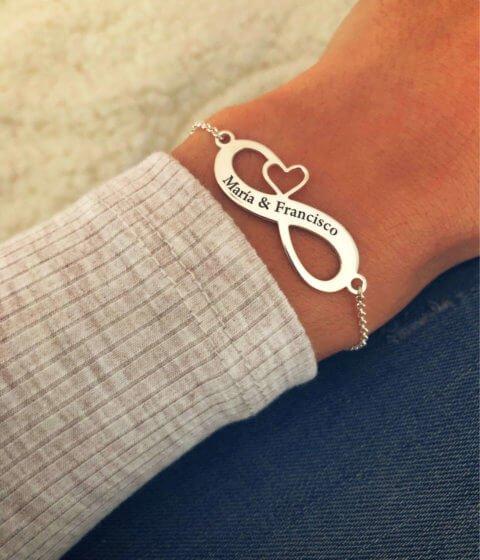 pulsera infinito corazon personalizada