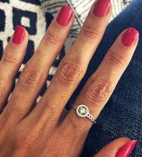 anillo solitario mujer